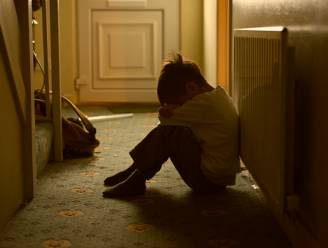 Recordaantal oproepen over kindermishandeling en partnergeweld bij hulplijn 1712