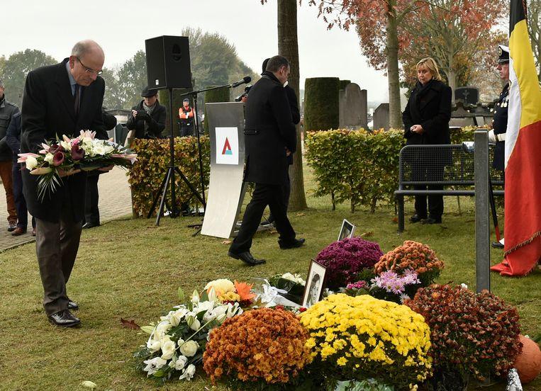 Begraafplaats van Aalst: herdenkingsplechtigheid voor de slachtoffers van de bende van Nijvel in aanwezigheid van minister van Justitie Koen Geens. Beeld Photo News