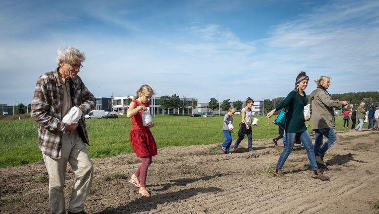 In september werd actie gevoerd voor behoud van bioboerderij De Boterbloem in de Lutkemeerpolder. Beeld Dingena Mol