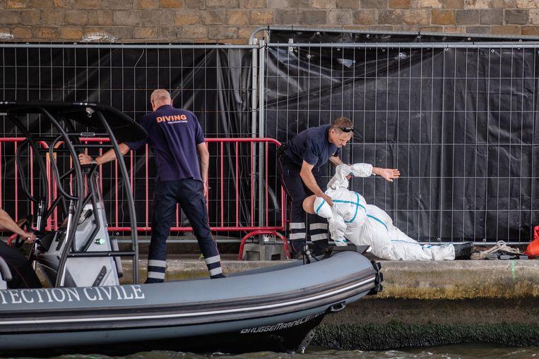 De politie treft voorbereidingen voor de reconstructie van de moord op Julie Van Espen.