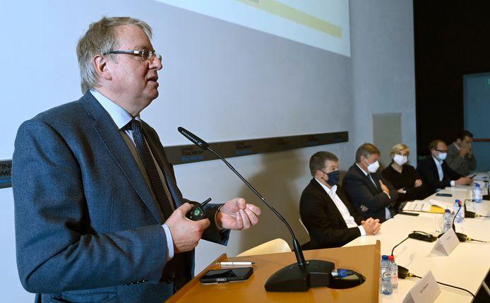 Koen Debackere, voorzitter van het economisch adviescomité.