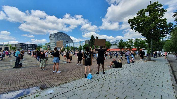 Demonstratie in Breda vlak na de start om 14.00 uur.