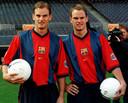 Ronald en Frank de Boer bij hun presentatie bij Barcelona.