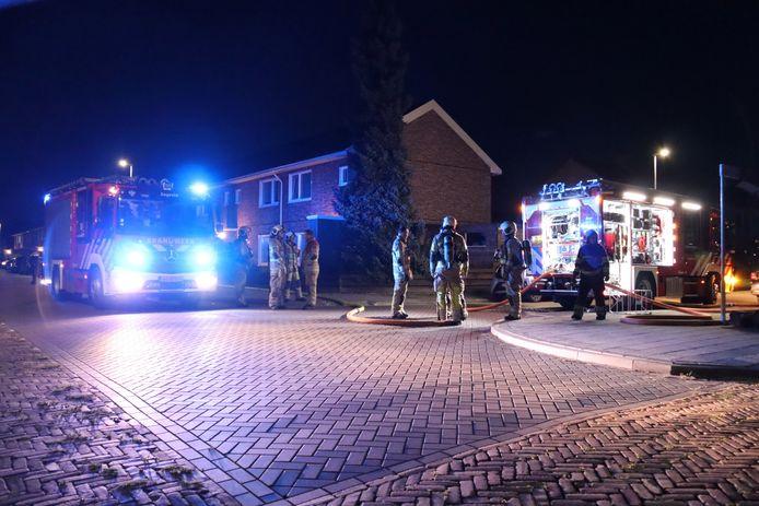 De brandweer wist het vuur snel te doven in de Jan van Steenstraat.