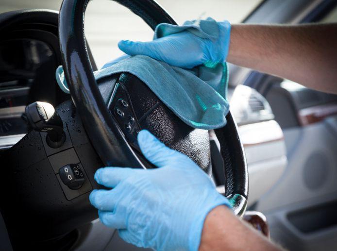 Meer aandacht voor hygiëne betekent ook af en toe een doek door je auto-interieur halen