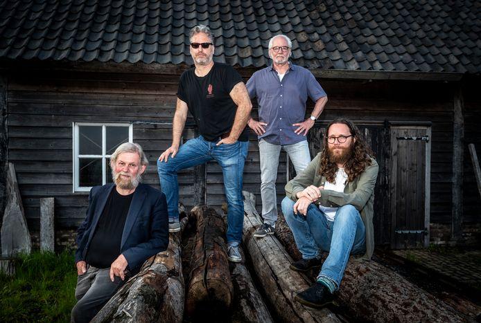 Mannen met Baarden, vlnr Bart van Asten, Marc Lemmen, Karel van Bokhoven en Martijn Kuijten.