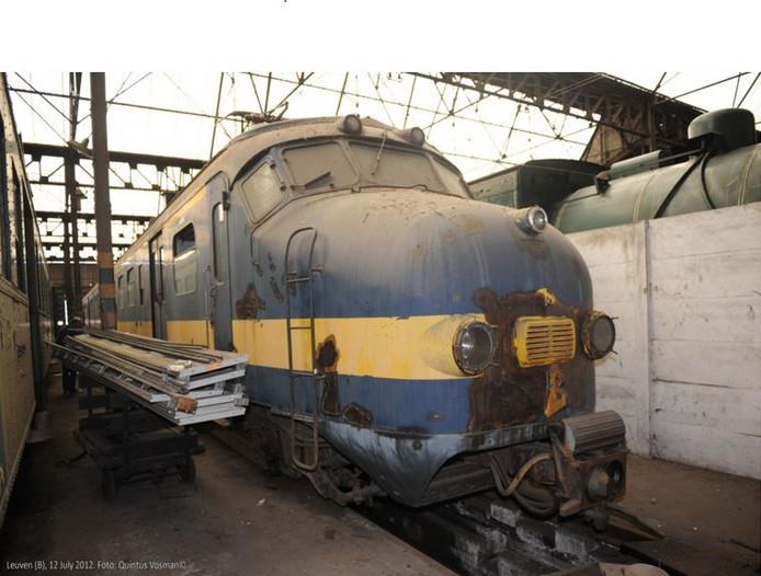 In Leuven staat de laatste Benelux-Hondekop die nog bewaard is gebleven. Komende vrijdagochtend vertrekt het zwaargehavende treinstel naar Roosendaal.