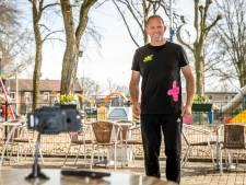 Beweegles via de livestream in Helmond: 'niet in de camera niezen!'