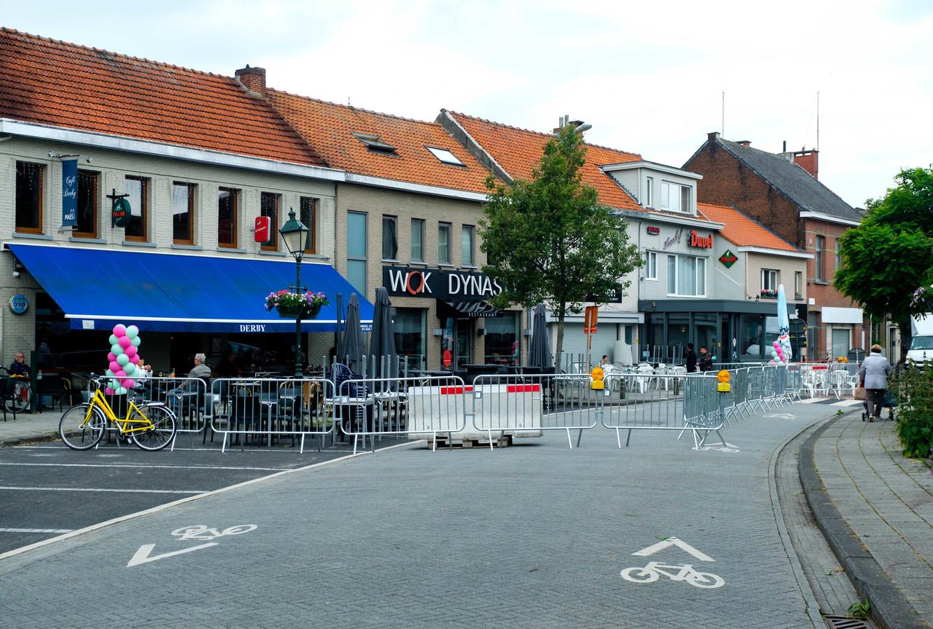 Onder meer café Derby kan opnieuw een ruimer terras opstellen.