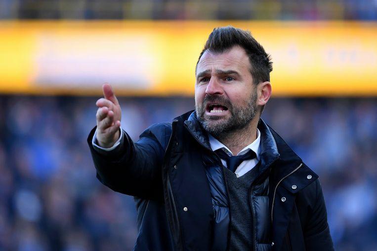 Ivan Leko wordt ervan verdacht zwart geld te hebben gekregen om spelers van Dejan Veljkovic op te stellen. Beeld Photo News