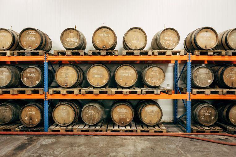 Bier rijpt hier op houten vaten. Beeld Joris Casaer