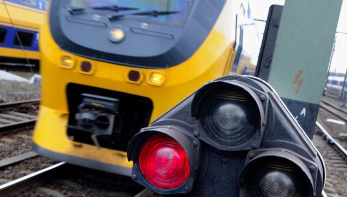 Ter illustratie: het treinverkeer tussen Amersfoort Centraal en 't Harde ligt stil in verband met een aanrijding.