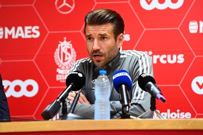 """Luka Elsner voorgesteld bij Standard: """"Als coach heb je weinig zekerheden,  hoop dat ze mijn keuze in Kortrijk begrijpen""""   Standard   hln.be"""
