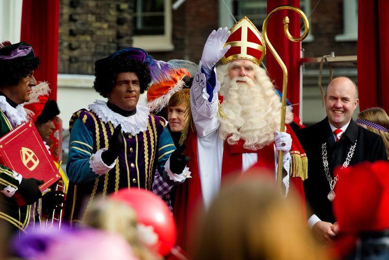 Erik van Muiswinkel in 2011 nog naast Sinterklaas als Hoofdpiet Beeld ANP