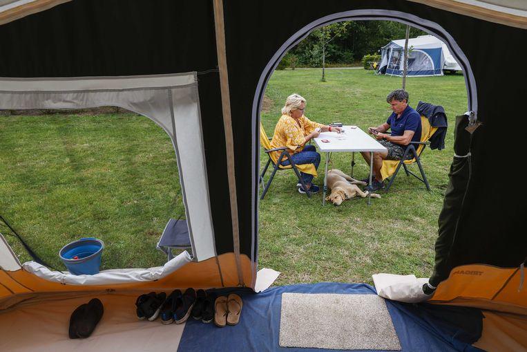 Een camping in de Achterhoek. Veel Nederlanders vierden afgelopen jaar vanwege het coronavirus de vakantie in eigen land.  Beeld ANP