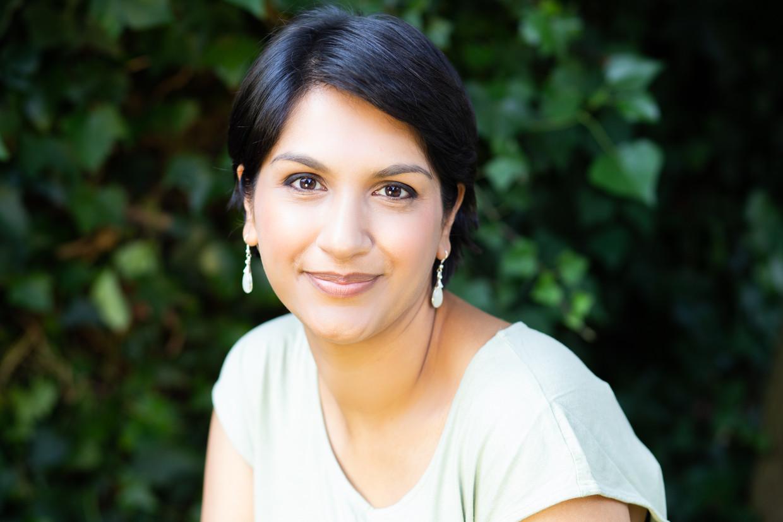 Angela Saini: 'Racisme is een val waar iedereen makkelijk intrapt.' Beeld RV Henrietta Garden