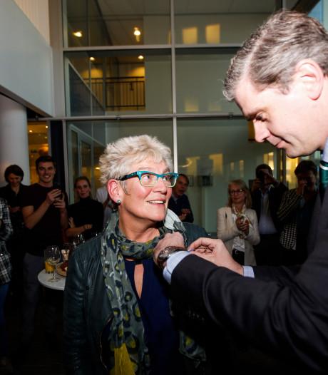 Gynaecoloog Sjarlot Kooi (60) geridderd bij haar afscheid van Albert Schweitzer ziekenhuis