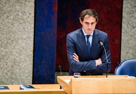 Minister Wopke Hoekstra van Financiën laat zich van zijn strengste kant zien: regeringspartijen die bij hem vragen om extra geld zullen ook met hervormingen moeten instemmen.