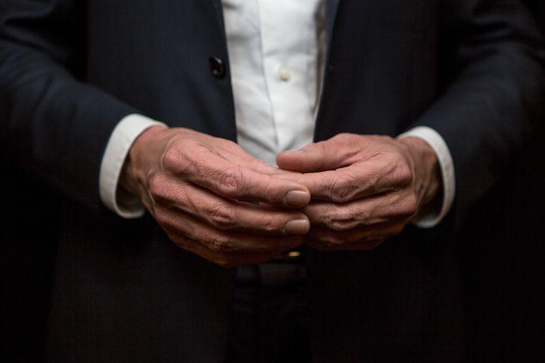 De handen van Mark Rutte. Beeld Mike Roelofs/Lumen
