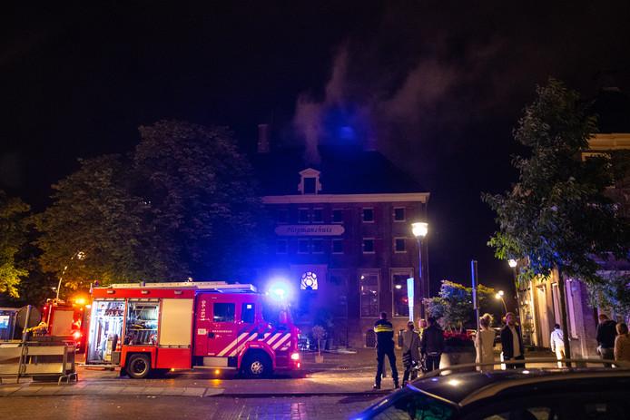 Bij de brand in het Hopmanshuis in Zwolle kwam veel rook vrij.