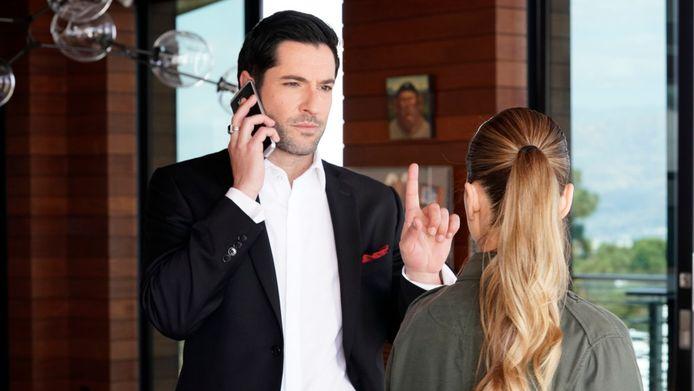 Tom Ellis en Lauren German in Lucifer