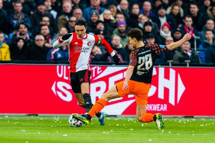 Steven Berghuis in actie tegen PSV op 15 december.