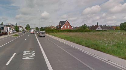 Drie weken verkeershinder in de Oostendestraat door aanleg van nieuwe verkaveling