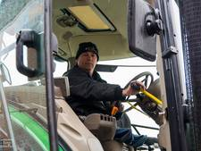 Primeur in Son: ook zonder benen op de tractor