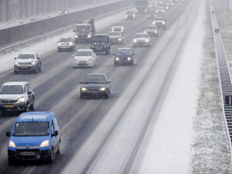 Meer dan 60 kilometer langzaam rijden op A1 richting Twente