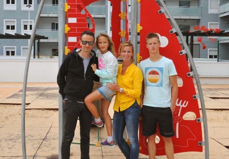 Het gezin Vanhoucke met vader David Vanhoucke, Michelle Vanhoucke, mama Rebekka Vanhaverbeke en Louka Vanhoucke