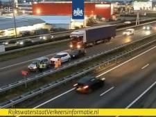 Drie auto's botsen op elkaar op de A2 bij Eindhoven