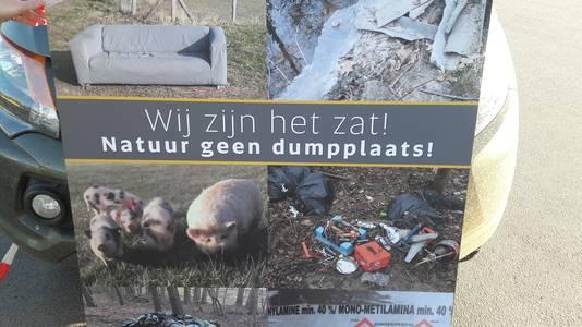 Een protestbord van boswachters bij het Provinciehuis in Den Bosch.