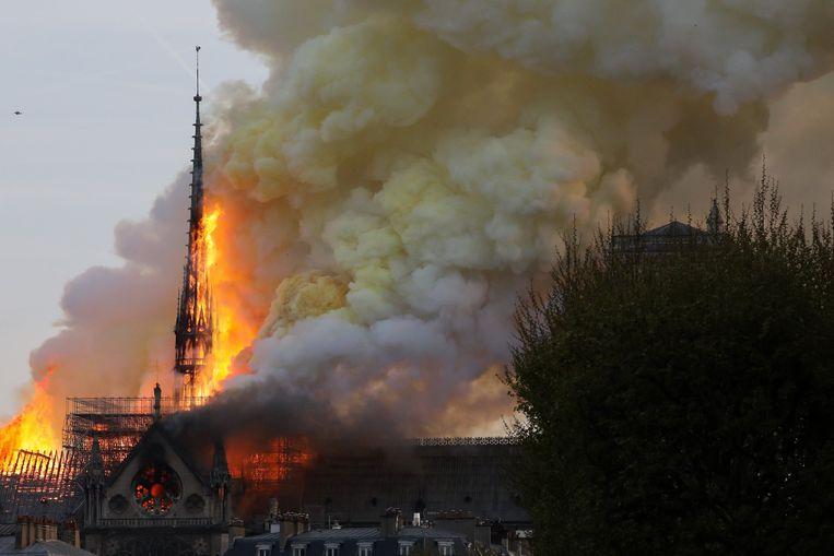 Ludo Collin, de rector van de Gentse Sint-Baafskathedraal, ziet in de brand van de Notre-Dame een wake-upcall voor Gent Beeld Photo News