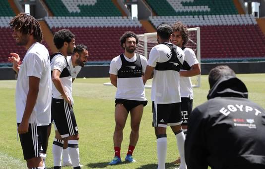 Mohamed Salah voorafgaand aan de training in de Akhmat Arena in Grozny.