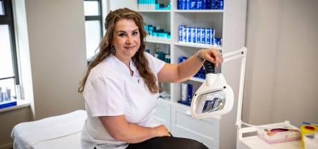 Huidtherapeute Nienke weet in Ootmarsum wat een goede huid doet voor het zelfvertrouwen