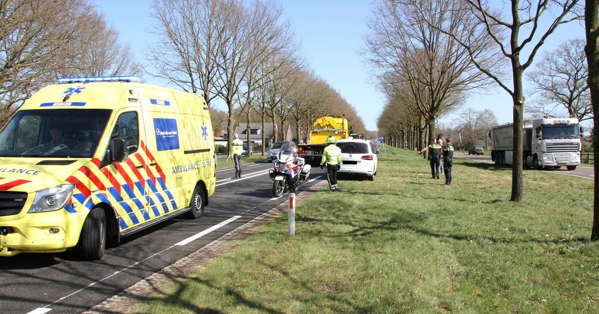 Twee ongelukken op bijna dezelfde plek bij Wierden: 1 gewonde.