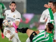 Vreugdesprongetje in huize Koeman: Real Madrid krijgt tik van Betis in titelrace