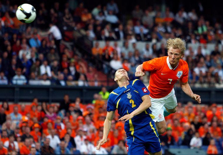 Dirtk Kuijt maakt de 1-0 in een oefenduel tussen Nederland en Oekraïne in 2008. Nederland won met 3-0. Beeld Hollandse Hoogte /  ANP