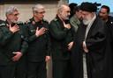 Archiefbeeld. De Iraanse Ayatollah Ali Khamenei (rechts) met uiterst links generaal Esmail Qa'ani, de commandant van de al-Quds Brigade. (09/01/2020)