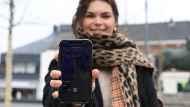 """Opkomend talent in Lennik: Jill Devos (21) brengt eerste cover uit: """"Balans vinden tussen studeren en dromen waarmaken"""""""