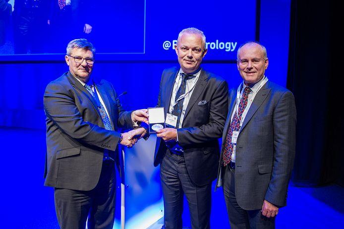 BAUS 2019 GlasgowSt Paul's Medal presented to Alexander Mottrie