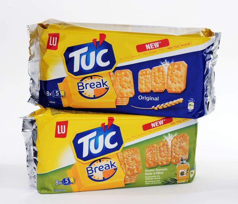 In de winkel begon Steve V. al aan een pak Tuc-koekjes.