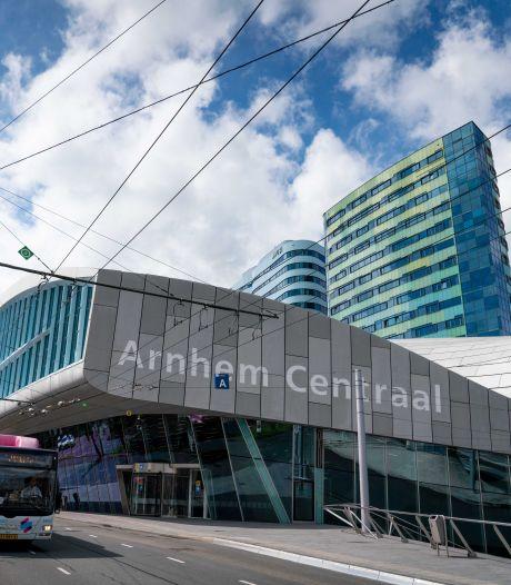 Lekkages in station Arnhem zijn structureel, gemeente houdt rekening met miljoenenstrop