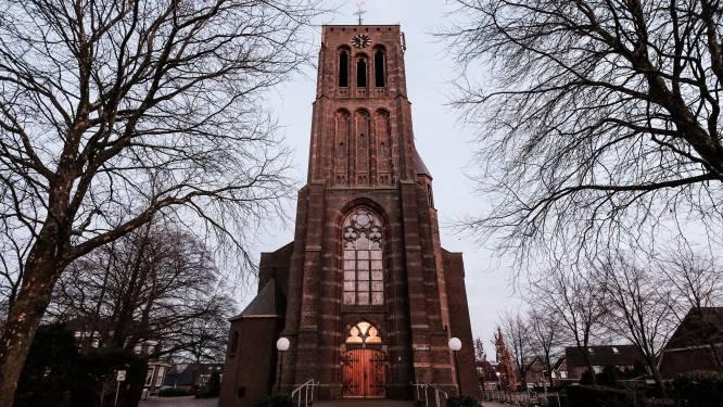 Kerk Azewijn verkocht: plannen voor 15 tot 16 woningen, toren wordt opgeknapt