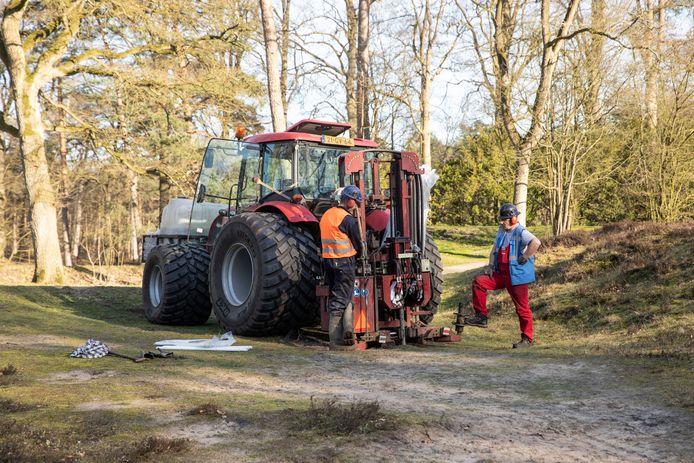 Een boring bij de golfvelden van de Hilversumse Golfclub op de grens tussen Hilversum en Lage Vuursche.