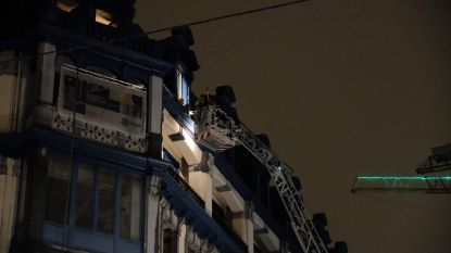 Uitslaande dakbrand bij vroeger Chinees warenhuis snel onder controle