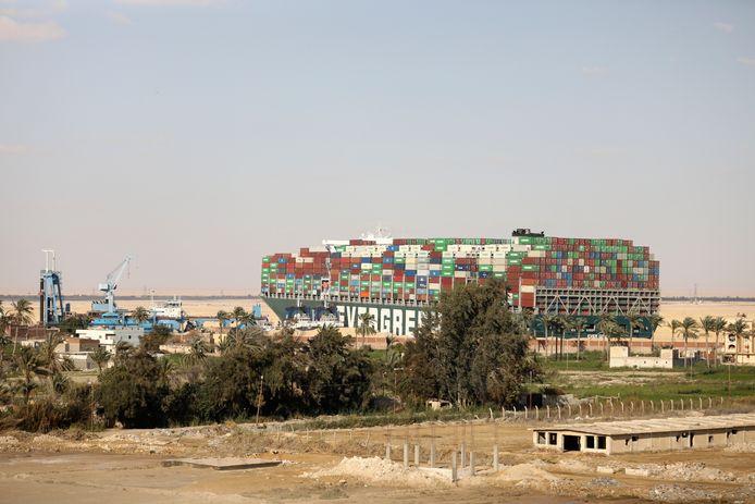 Het containerschip Ever Given zat vorige maand overdwars vast in het Suezkanaal.