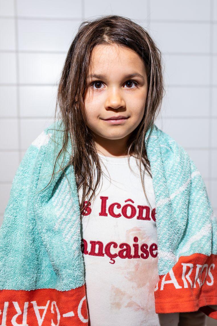 Inoué (7 jaar) is een echte waterrat. Beeld Nosh Neneh