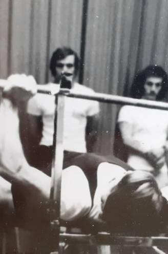 """Liefst 30 keer werd Ivan (74) Belgisch kampioen, maar zware ziekte krijgt powerlifter toch klein: """"Vader kon 161 kilo bankdrukken, dat was een record"""""""