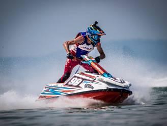 """Quinten Bossche telt al zestien wereldtitels: """"Aan 120 km/u over het water vliegen, is erg opwindend"""""""